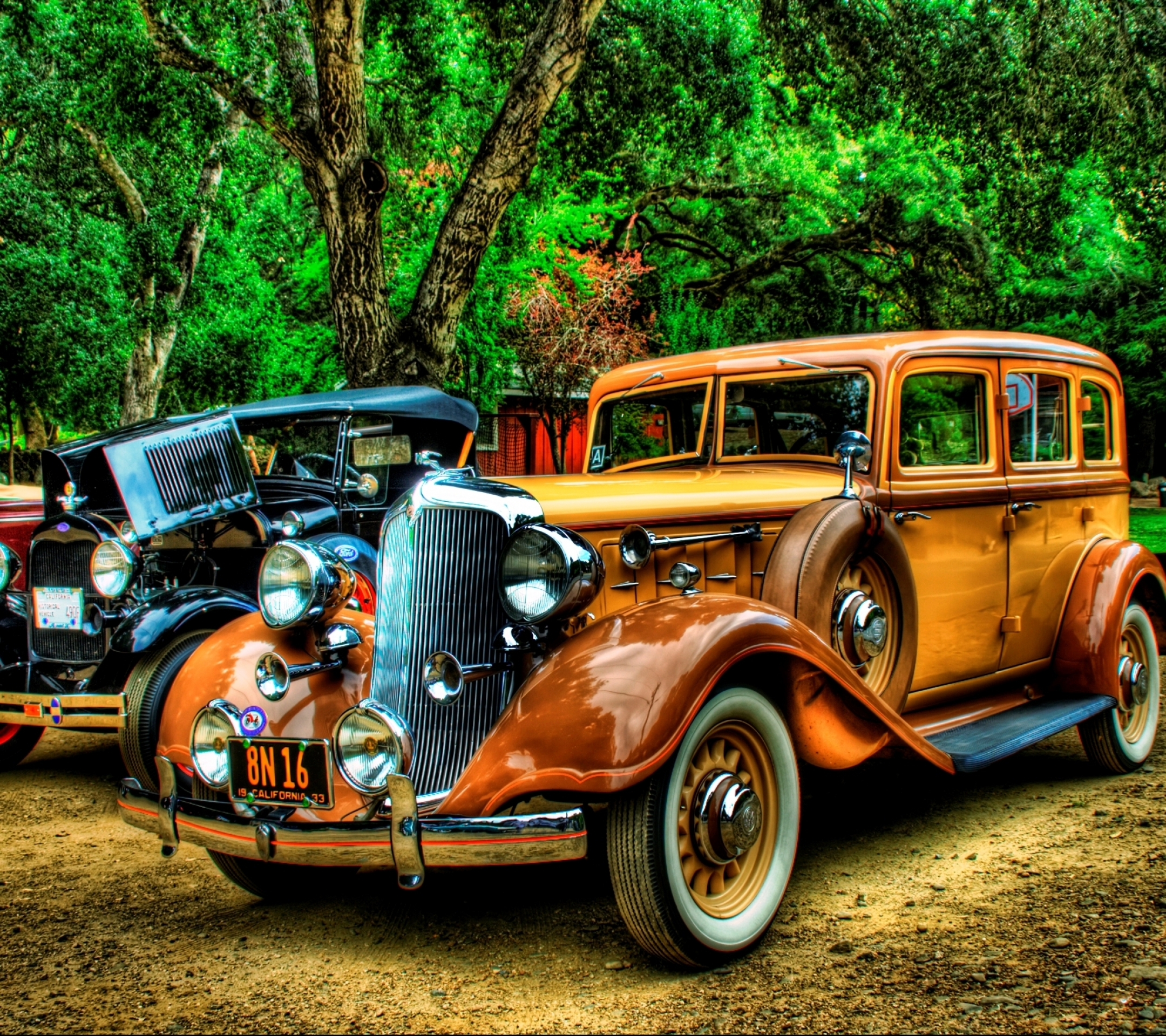 Старое авто в сарае бесплатно