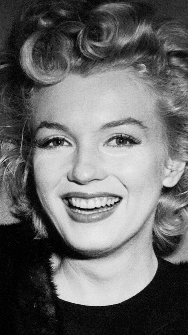 16 Marilyn Monroe Apple Iphone 7 750x1334 Wallpapers Mobile Abyss