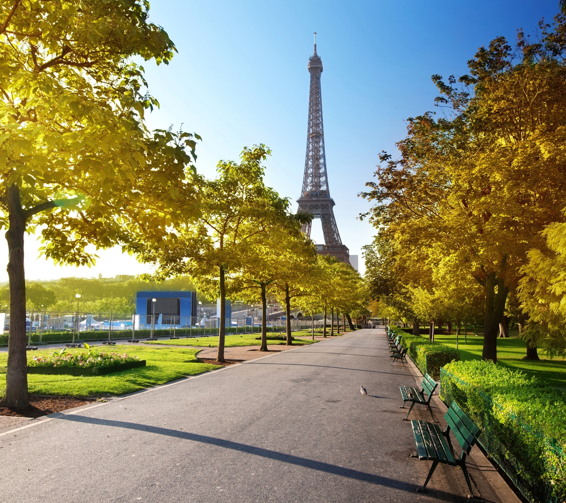 Man Made Eiffel Tower 2160x1920 Wallpaper Id 591942 Mobile Abyss
