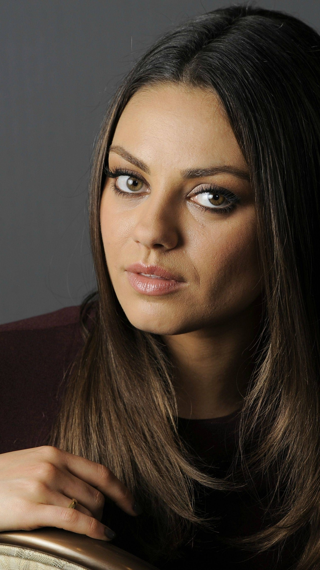 celebrity/mila kunis (1080x1920) wallpaper id: 596207 - mobile abyss