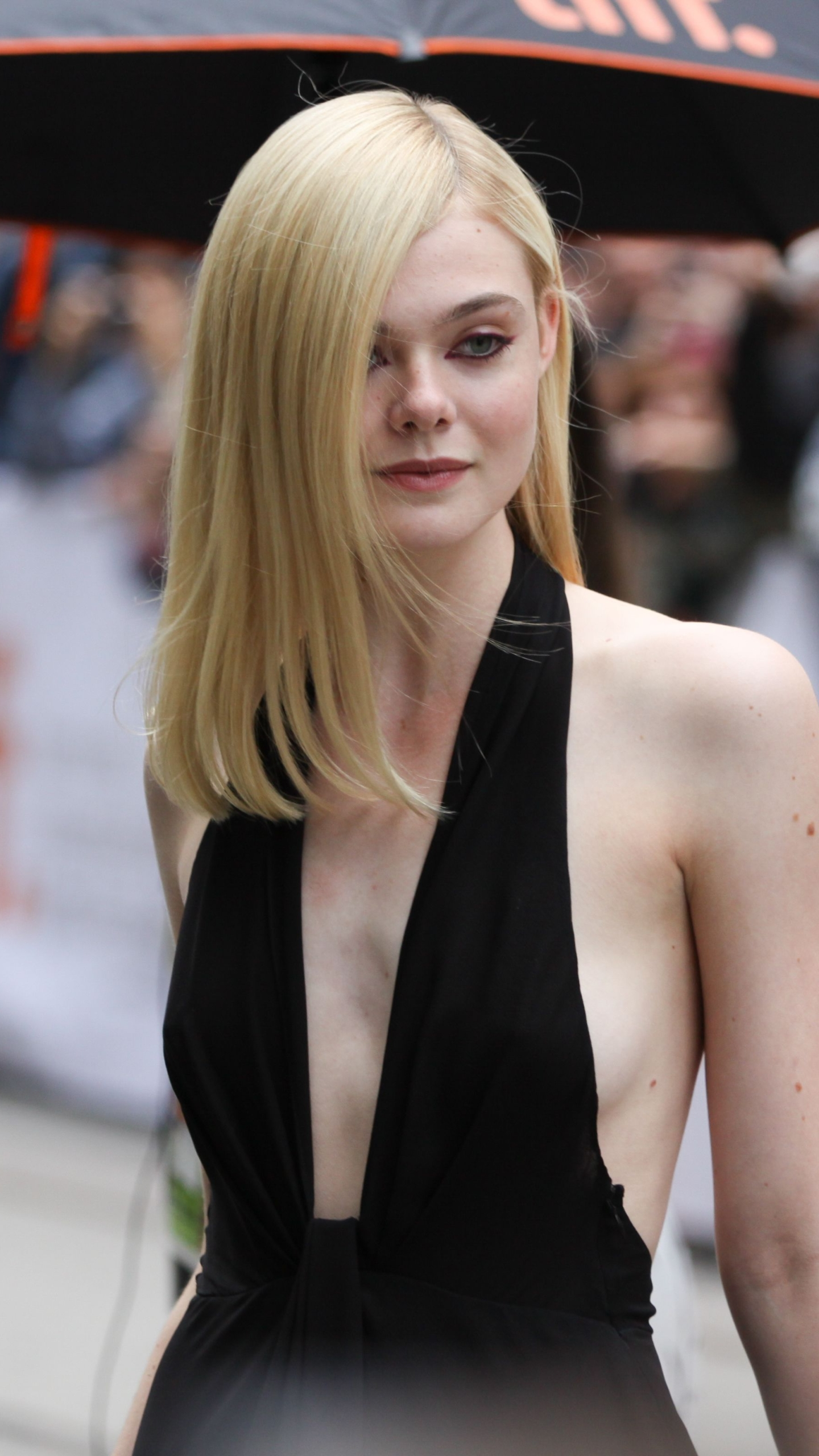 Wallpaper download iphone - Iphone 5 Celebrity Elle Fanning Wallpaper Id 622536