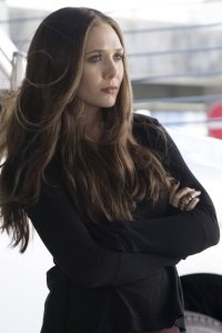 9 Elizabeth Olsen Apple IPhone 4S 640x960 Wallpapers
