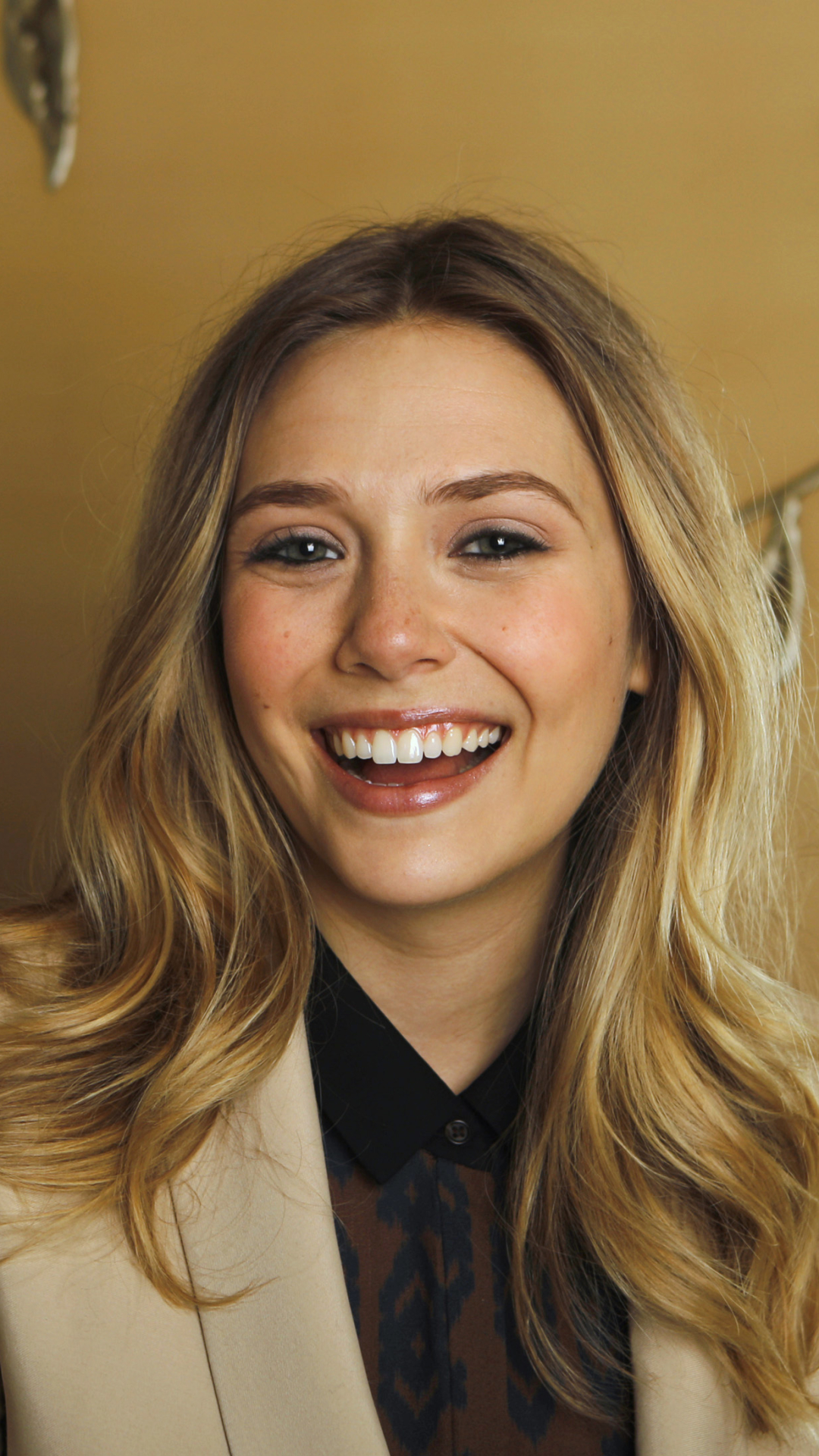Celebrity Elizabeth Olsen 1080x1920 Mobile Wallpaper