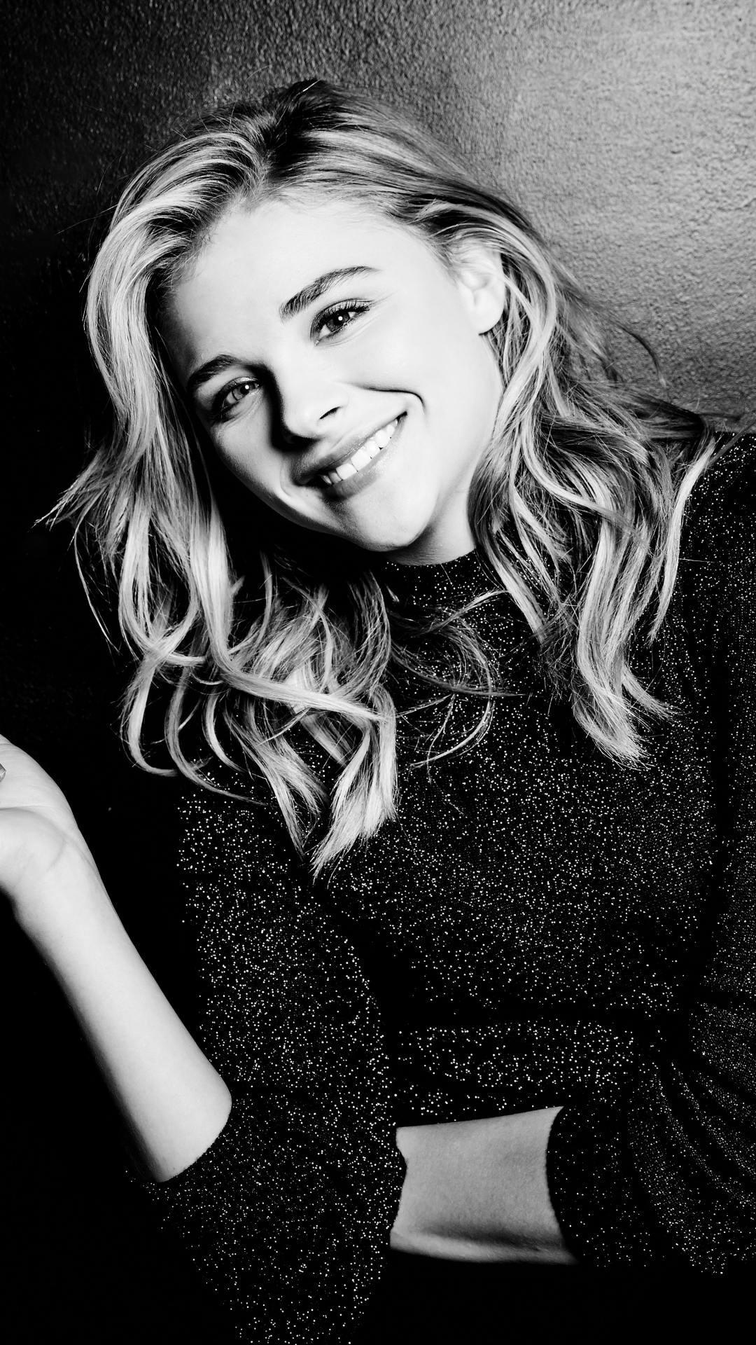 celebrity/chloë grace moretz (1080x1920) wallpaper id: 630819