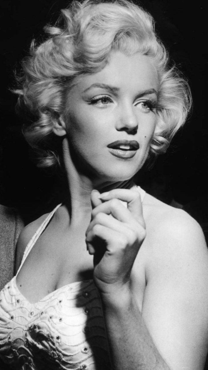 Celebrity Marilyn Monroe 720x1280 Wallpaper Id 645711 Mobile