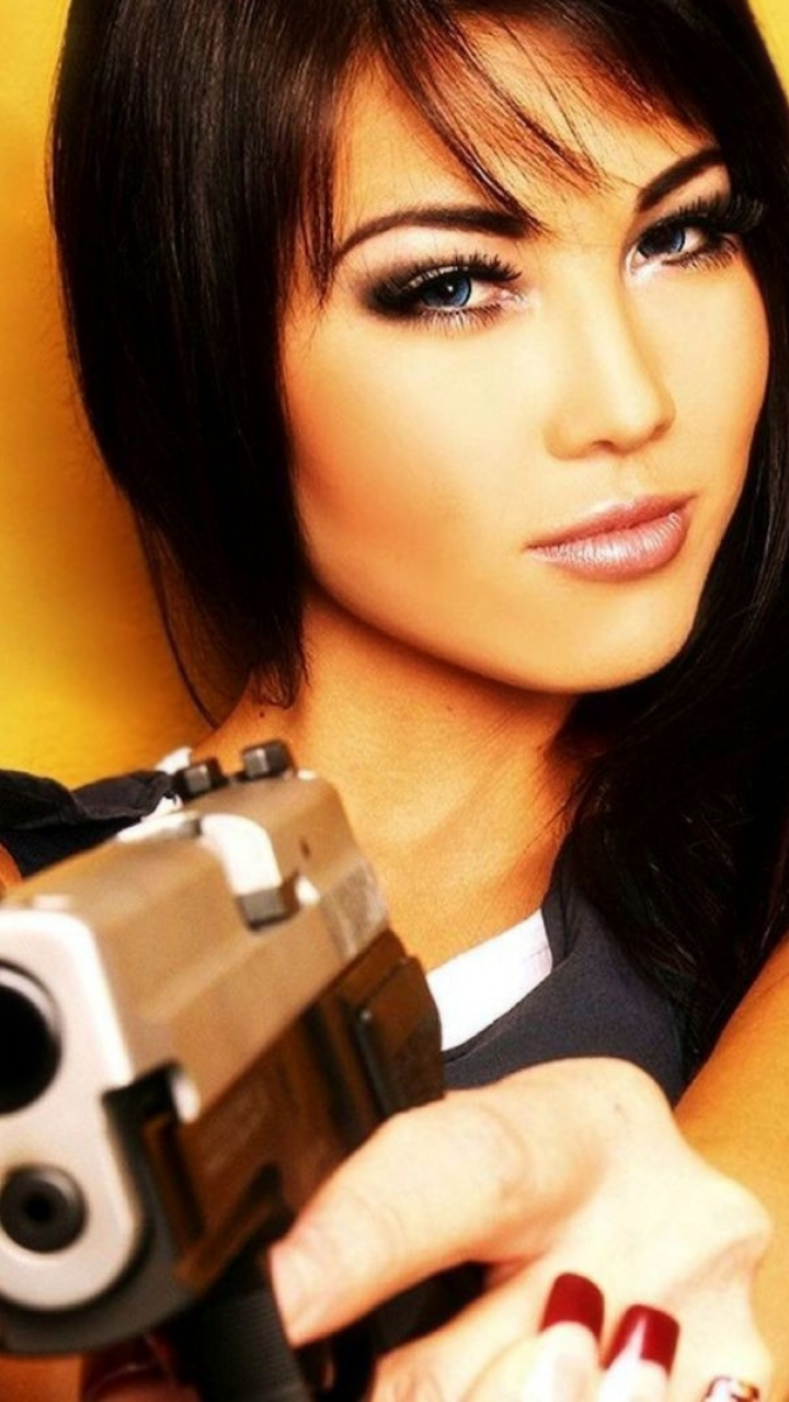 Womengirls guns 720x1280 wallpaper id 69128 mobile abyss women girls guns 720x1280 mobile wallpaper voltagebd Gallery