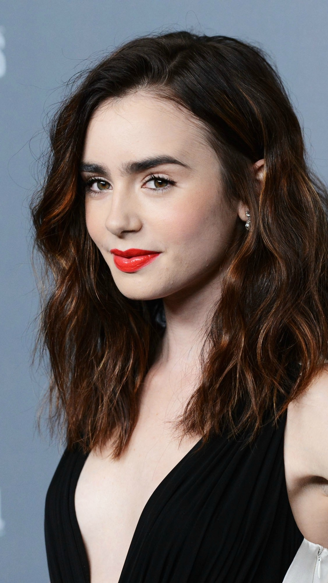 celebrity/lily collins (1080x1920) wallpaper id: 694972 - mobile abyss